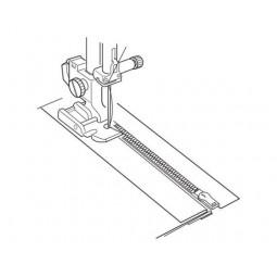 Pied métal pour fermeture standard