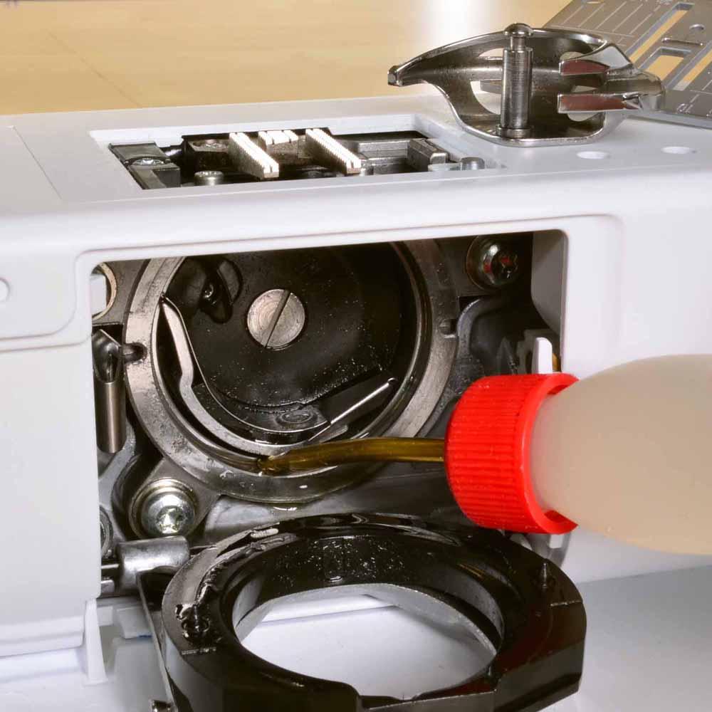 Huiler sa machine à coudre - Boitier à cannette rotatif